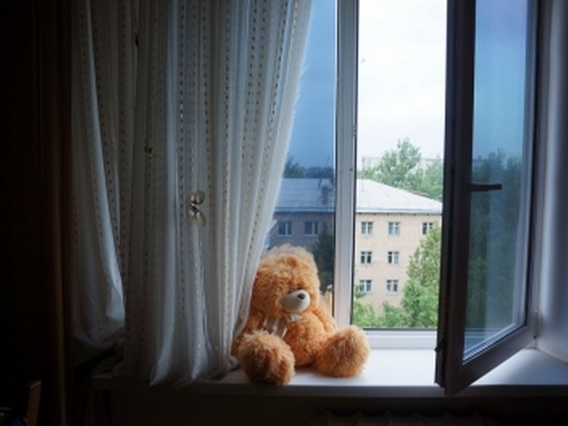 ВБелгороде 3-х летний ребенок выпал изокна десятого этажа