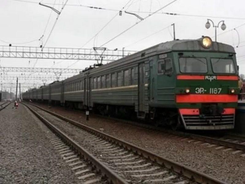 ВБелгороде осудили мужчину, угрожавшего машинистам поезда ружьем